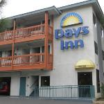 Accommodation near Hacienda Night Club Anaheim - Days Inn Anaheim West