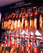 Enjoy some delicious Jamon on a Twilight Food Tour through Soho...