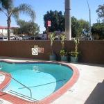 Hotels near Executive Suite Nightclub Long Beach - Rodeway Inn Signal Hill