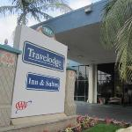 Hotels near Hacienda Night Club Anaheim - Travelodge Anaheim On Disneyland Drive